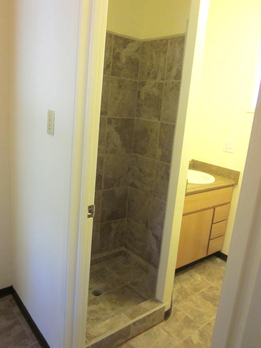 10 Bathroom 2